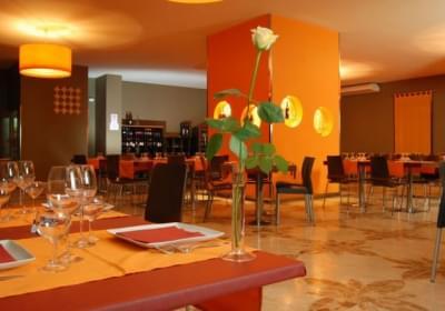 Hotel Kaukana Inn